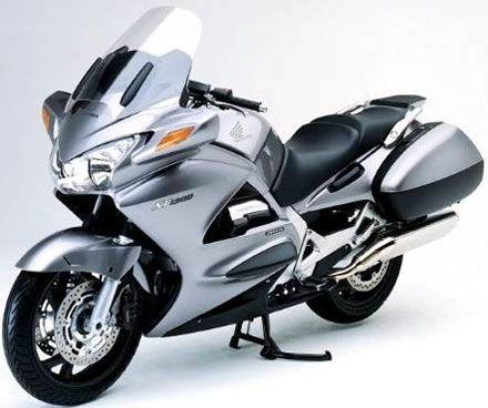 Honda ST1300 Pan-European - motoblogster: blog de motos ...