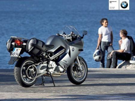bmw f 800 st belleza b vara motoblogster blog de motos motoblogster blog de motos. Black Bedroom Furniture Sets. Home Design Ideas