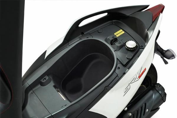 2012 Aprilia SVR 850: a lo grande