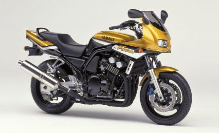Historia de la Yamaha Fazer 2000