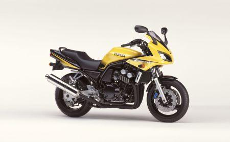 Historia de la Yamaha Fazer 2002