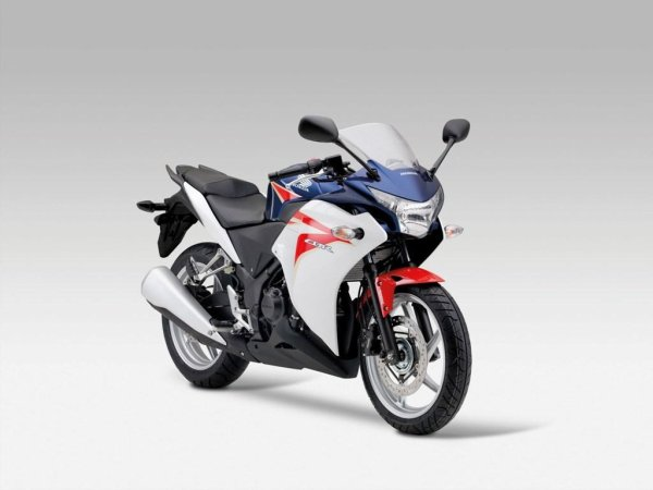2011 Honda CBR 250 R: la hermanita mayor...