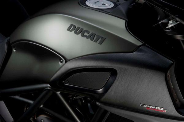 2013 Ducati Diavel Strada